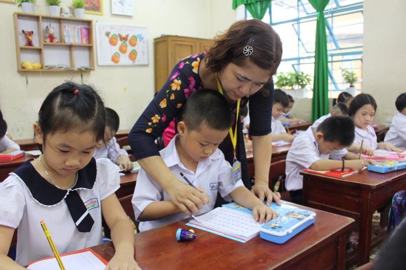giáo viên dạy kèm lớp 1 tại nhà